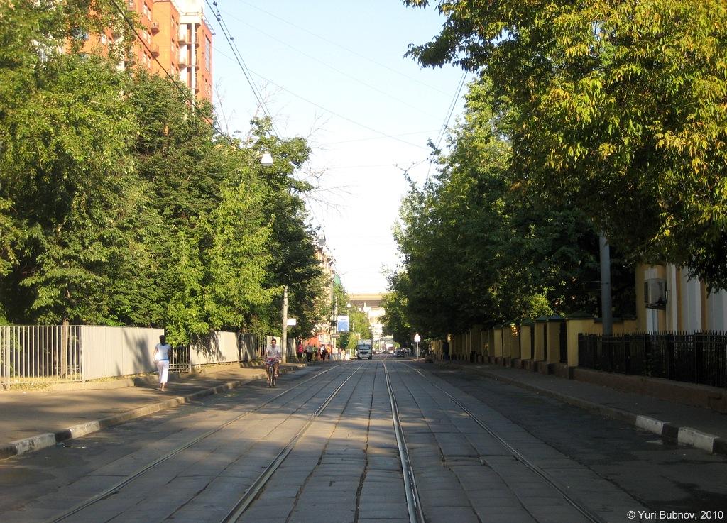Здесь и далее фото с transphoto.org. Протопоповский переулок/ Автор: Юрий Боб, 2010 г.