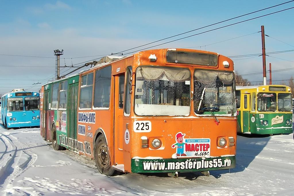 примеру, фото водителей троллейбусного депо омск шагом будет