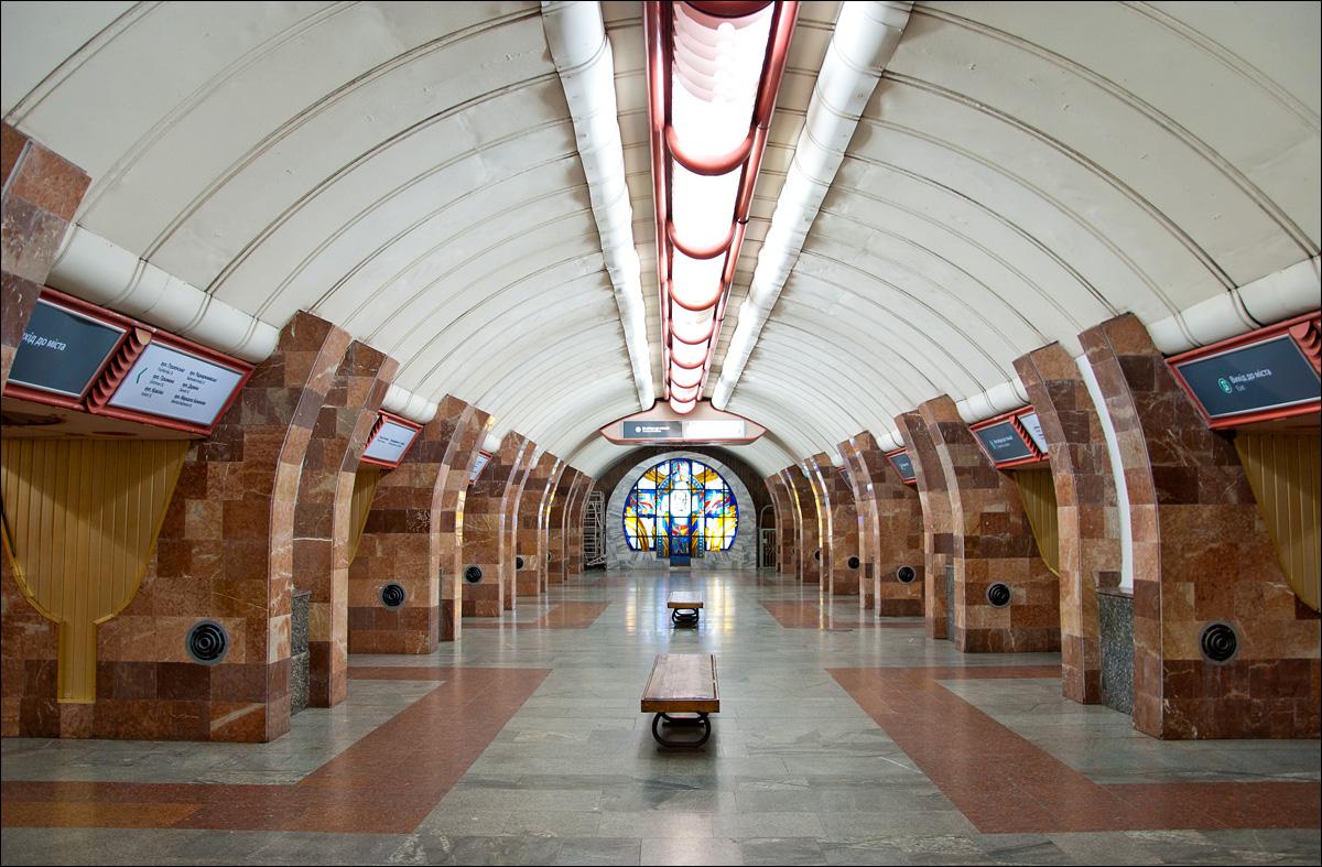 про участие фото станций харьковского метрополитена людей