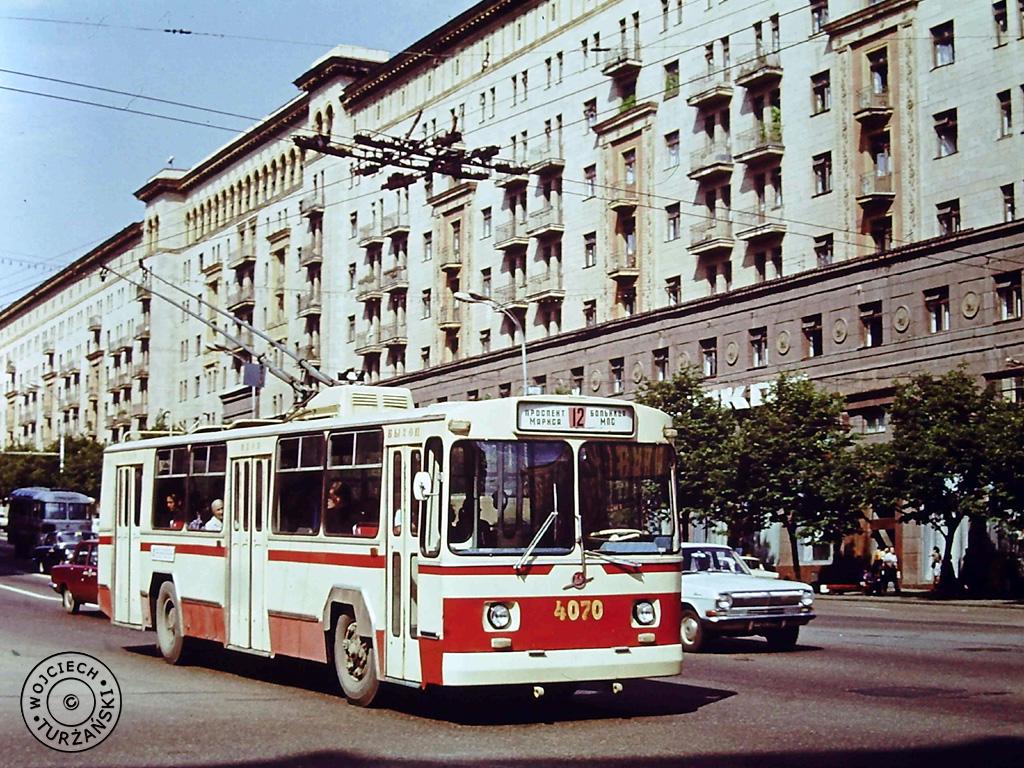 делаем советский троллейбус фото ещё неизменно