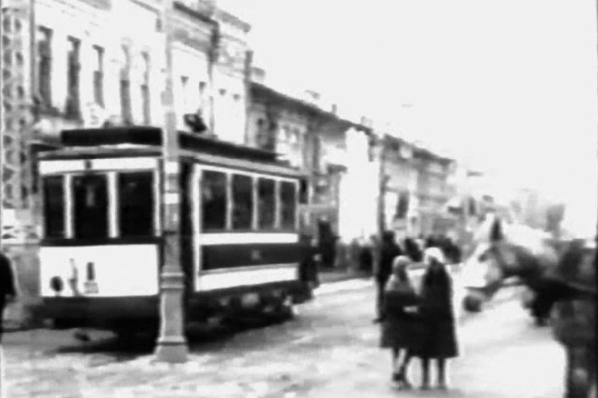 Saratov, Ragheno 2-axle motor car # 25; Saratov — Historical photos; Saratov — The electric vehicle in the movies