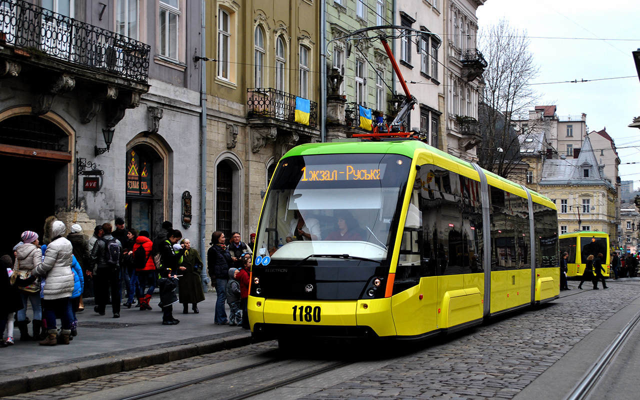 Просторный пассажирский салон, кондиционеры и wi-fi: в Украине выпустили новую модель трамвая - Цензор.НЕТ 1115