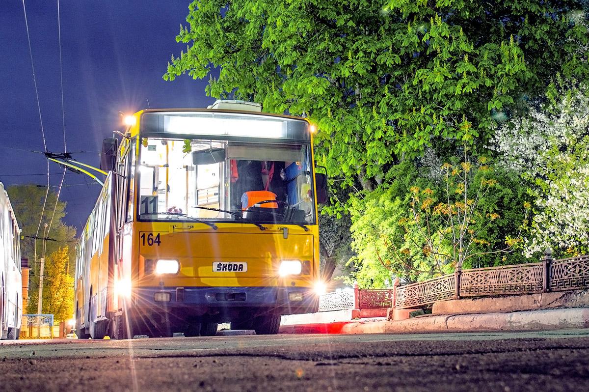 Фото: Тернополь, троллейбус Škoda 15Tr13/6M № 164 — TransPhoto: http://transphoto.ru/photo/816747/