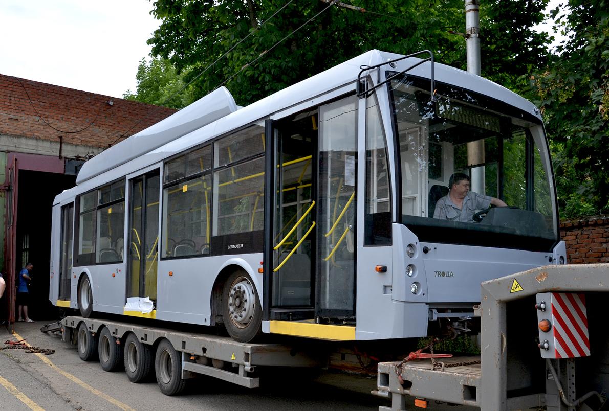 хотя новые троллейбусы и трамвай только фото солнечных вам