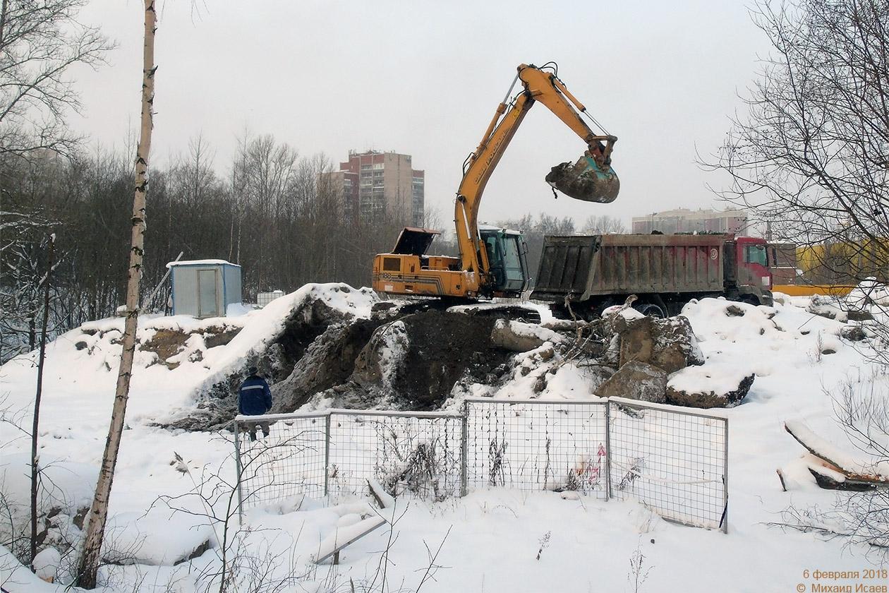 Подготовка к строительству моста через р.Оккервиль, 06.02.2018. Источник: http://transphoto.ru/photo/10/82/36/1082360.jpg
