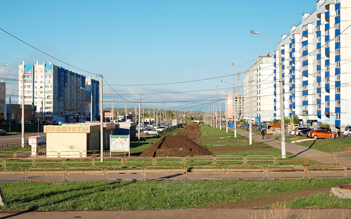 Magnitogorsk — Construction of the tram line on Karl Marx Ave. and st. Green log