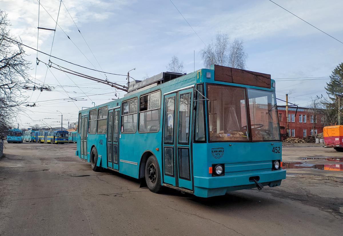 Чернігів, ЮМЗ Т2 № 452